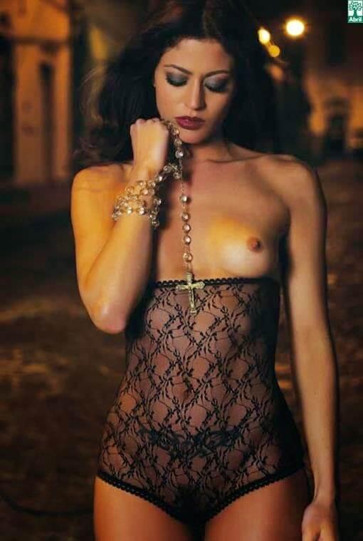 Carol Castro nua na revista Playboy