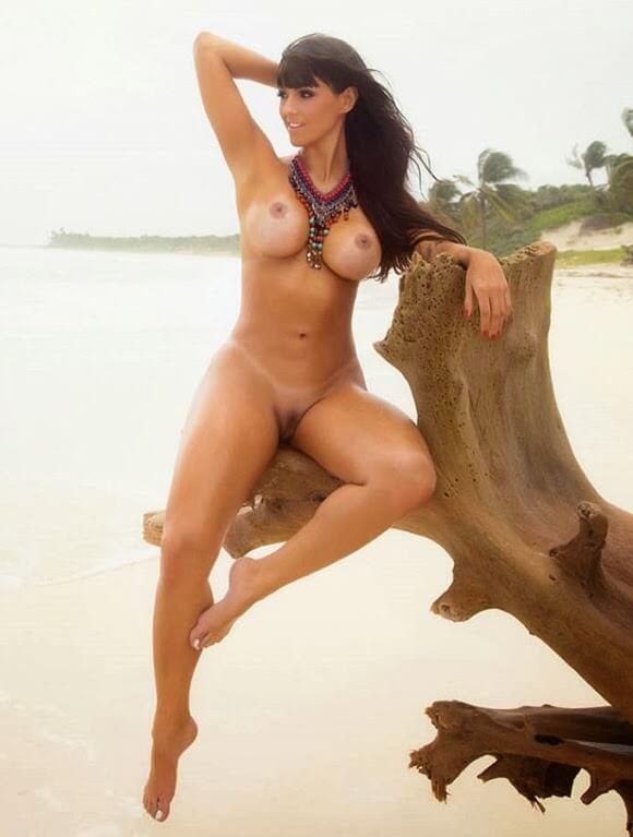 carol dias nua na revista sexy