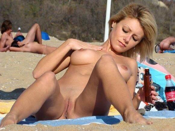 fotos de mulheres nuas na praia de nudismo