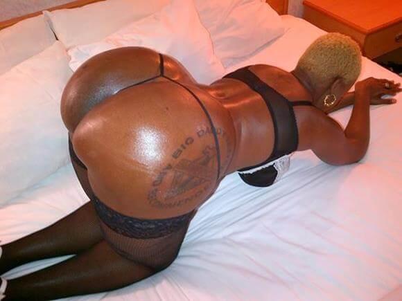 Negras rabudas gostosas mostrando a bunda