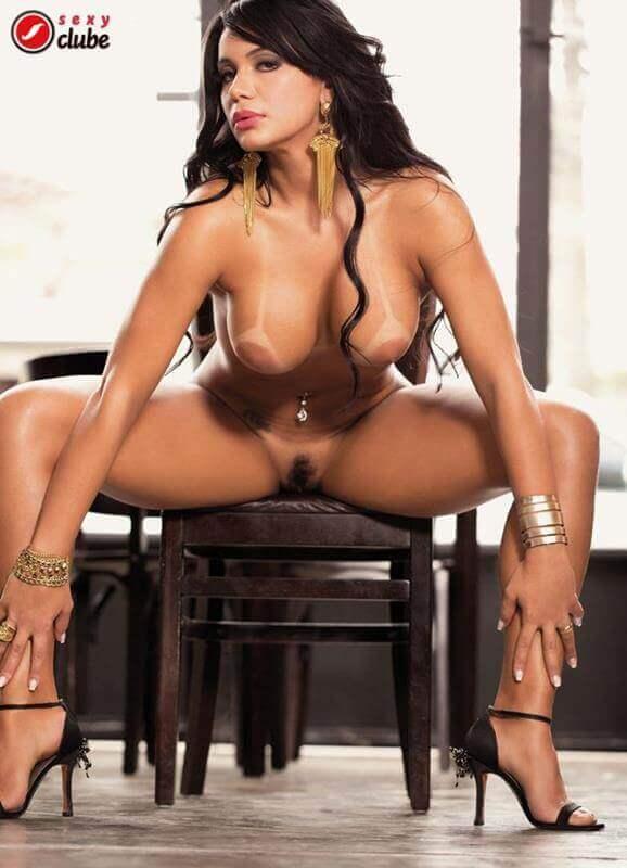 Samara Leite nua na revista Sexy