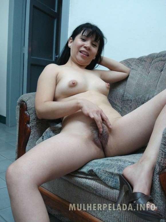 mulher pelada mostrando a buceta em fotos caseiras
