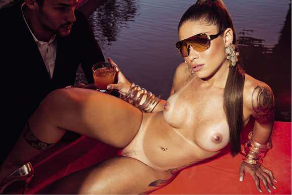 Rita Mattos a Gari Gata nua na Playboy